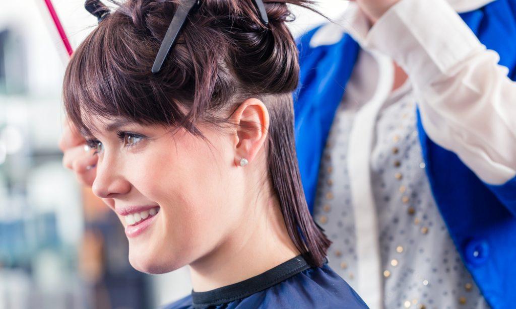 Predĺžte azahustite si účes pomocou clip in vlasov